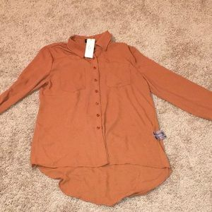 Tops - Tan cowgirlstyle blouse withtassels  back-cutout